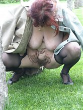 Mature slut fucked in the open air